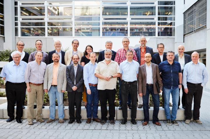 Die Professorinnen und Professoren der Fakultät Chemie (nicht alle anwesend). (c) Matthäus Kalinowski