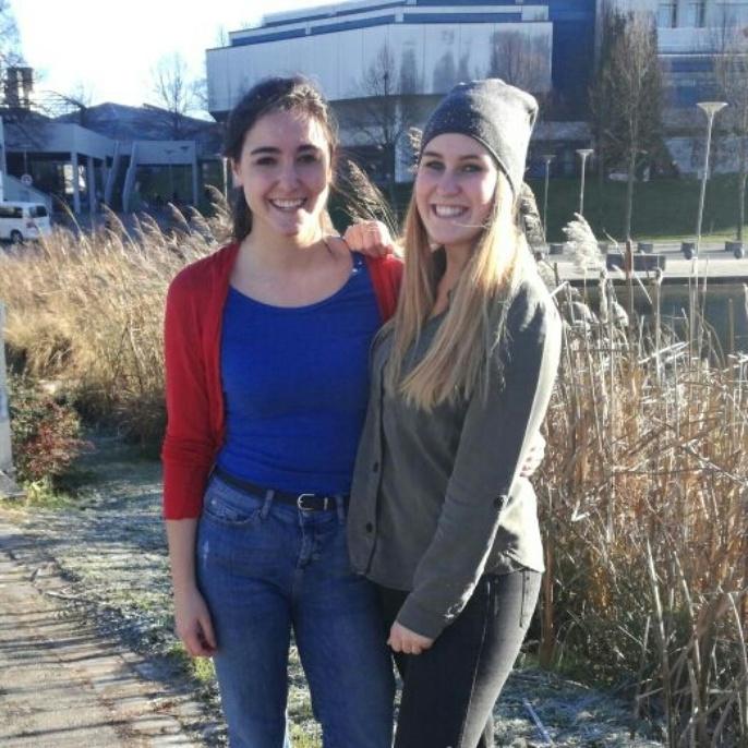 Studierende Maren und Tabea
